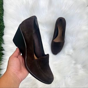 Clarks artisan closed toe brown wedges size 9